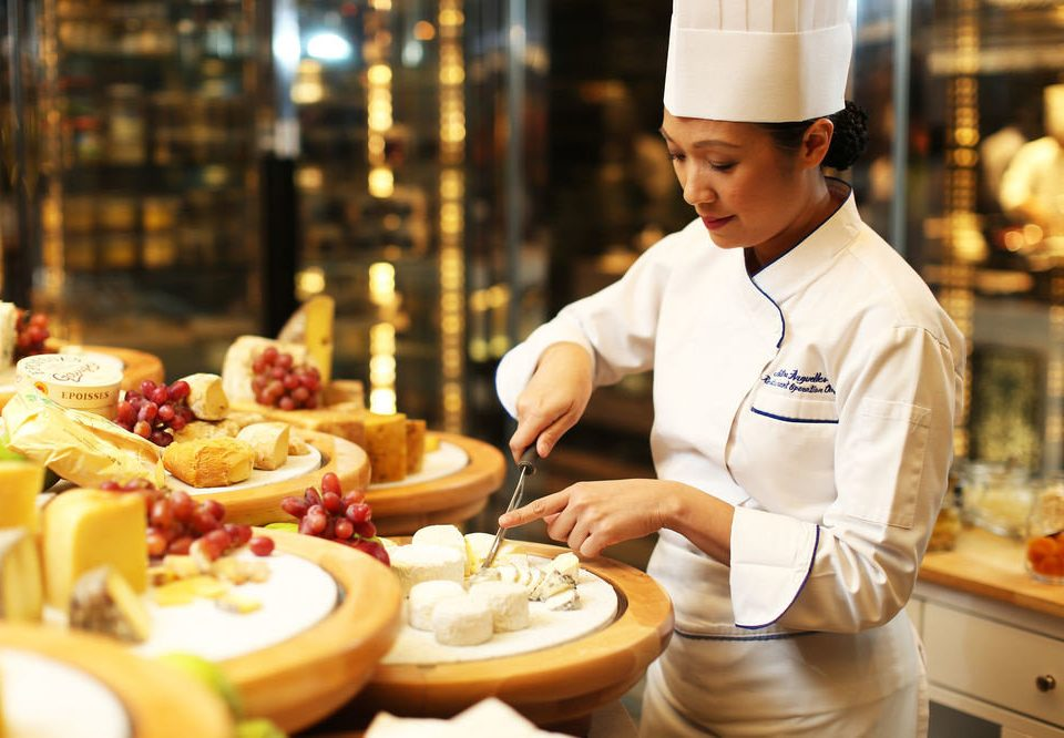 food plate cook culinary art breakfast brunch sense baking pastry chef restaurant professional bakery cooking cuisine