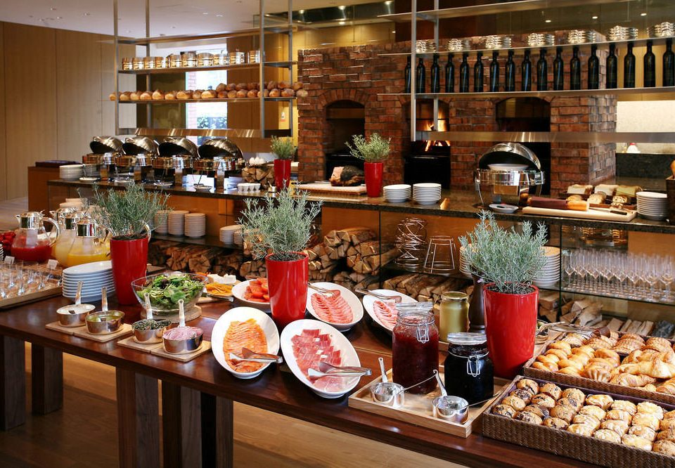 food grocery store brunch delicatessen whole food buffet bakery sense restaurant pâtisserie counter