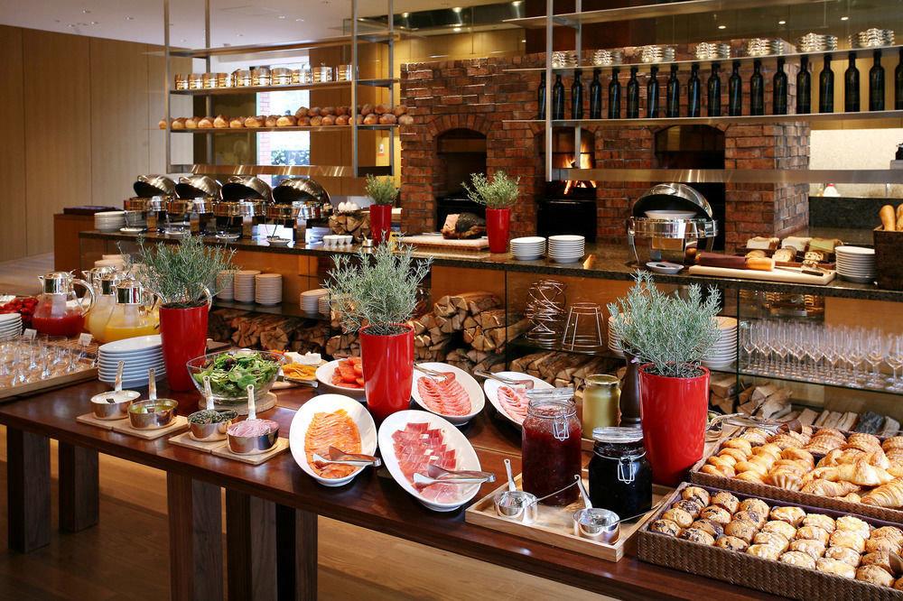 food grocery store brunch delicatessen whole food buffet bakery sense restaurant pâtisserie counter