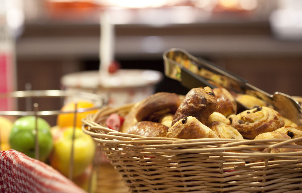 food basket container breakfast brunch sense cuisine baking lunch flavor dessert restaurant