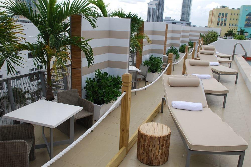 Balcony Bar Dining Drink Eat Scenic views property condominium Resort restaurant home Courtyard Villa