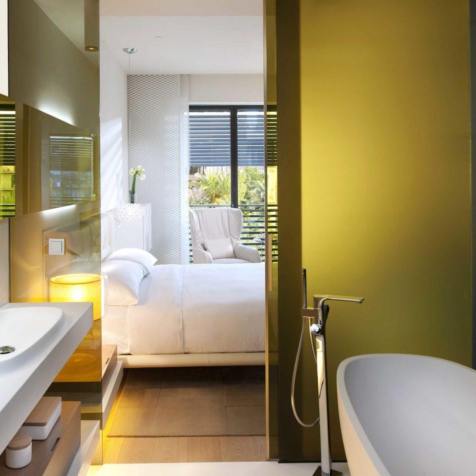 Balcony Bath Bedroom Luxury Modern Resort bathroom property sink Suite condominium bathtub home