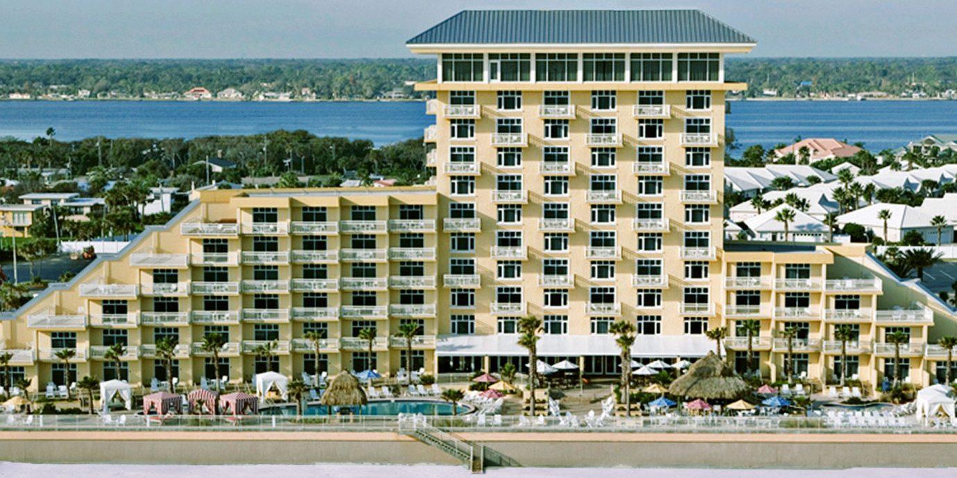 Balcony Beach Beachfront Exterior Ocean Pool sky water condominium property building residential area marina Resort walkway Coast tower block dock palace Sea Island