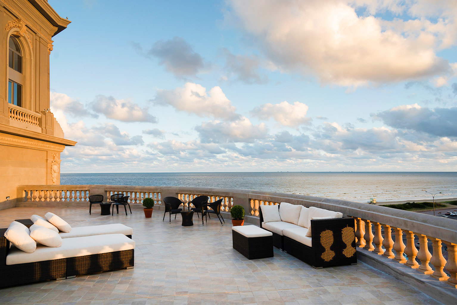 Balcony Beachfront Drink Luxury Resort Rooftop Scenic views Wine-Tasting sky Sea Ocean Coast Beach