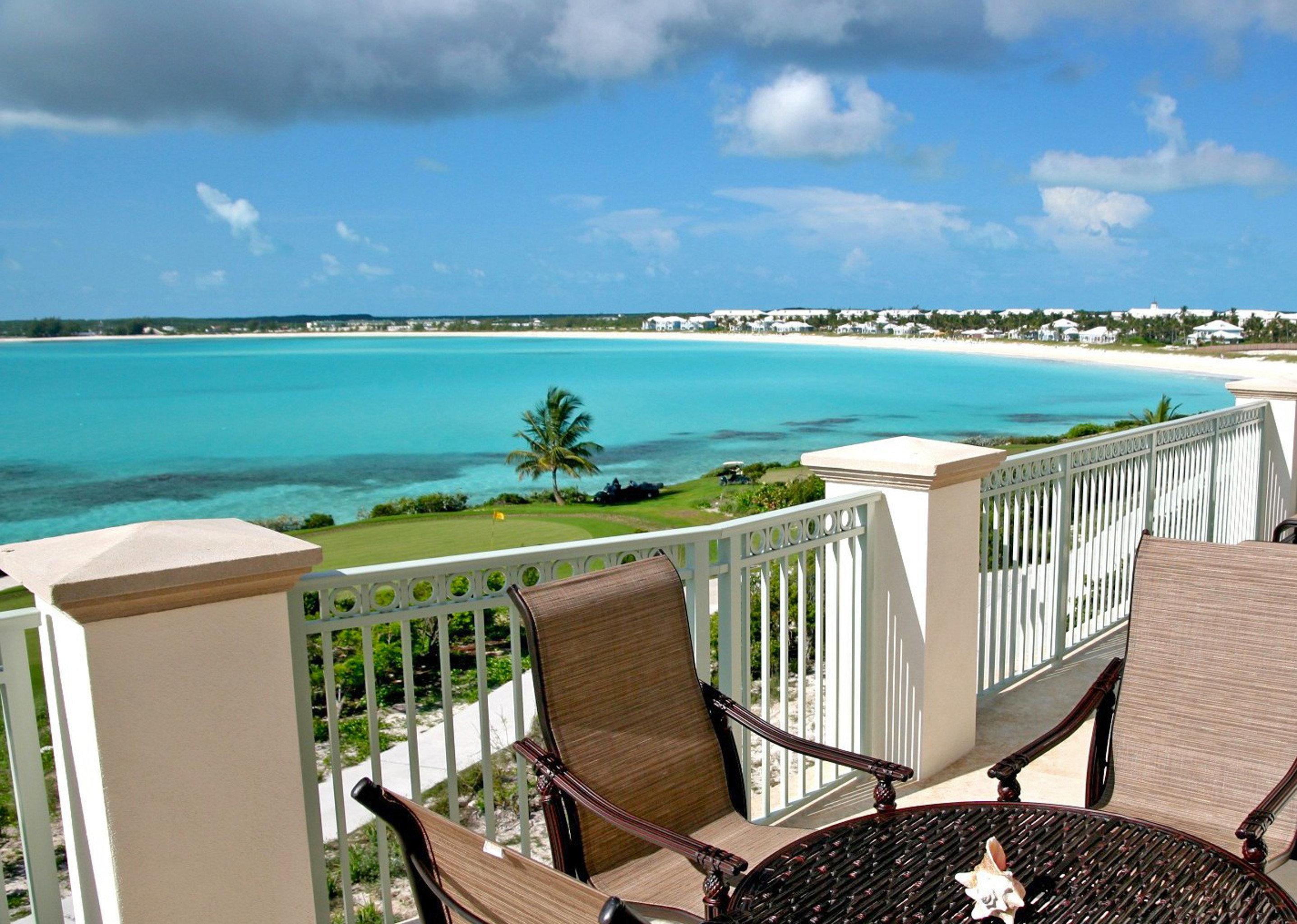 Beach Beachfront Honeymoon Resort sky chair property leisure swimming pool Deck Villa caribbean Balcony cottage overlooking shore