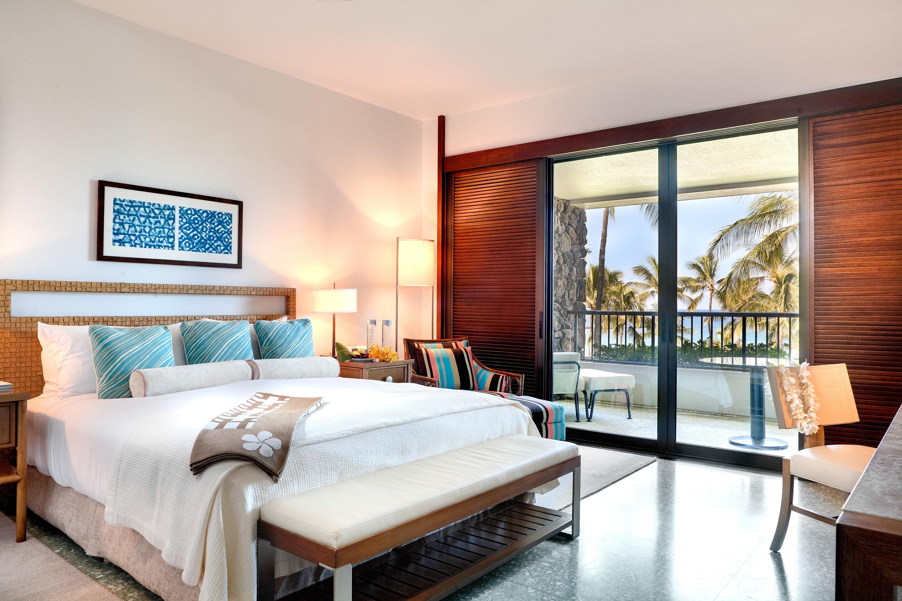 Balcony Beach Bedroom Resort Scenic views sofa property Suite living room home hardwood condominium Villa cottage