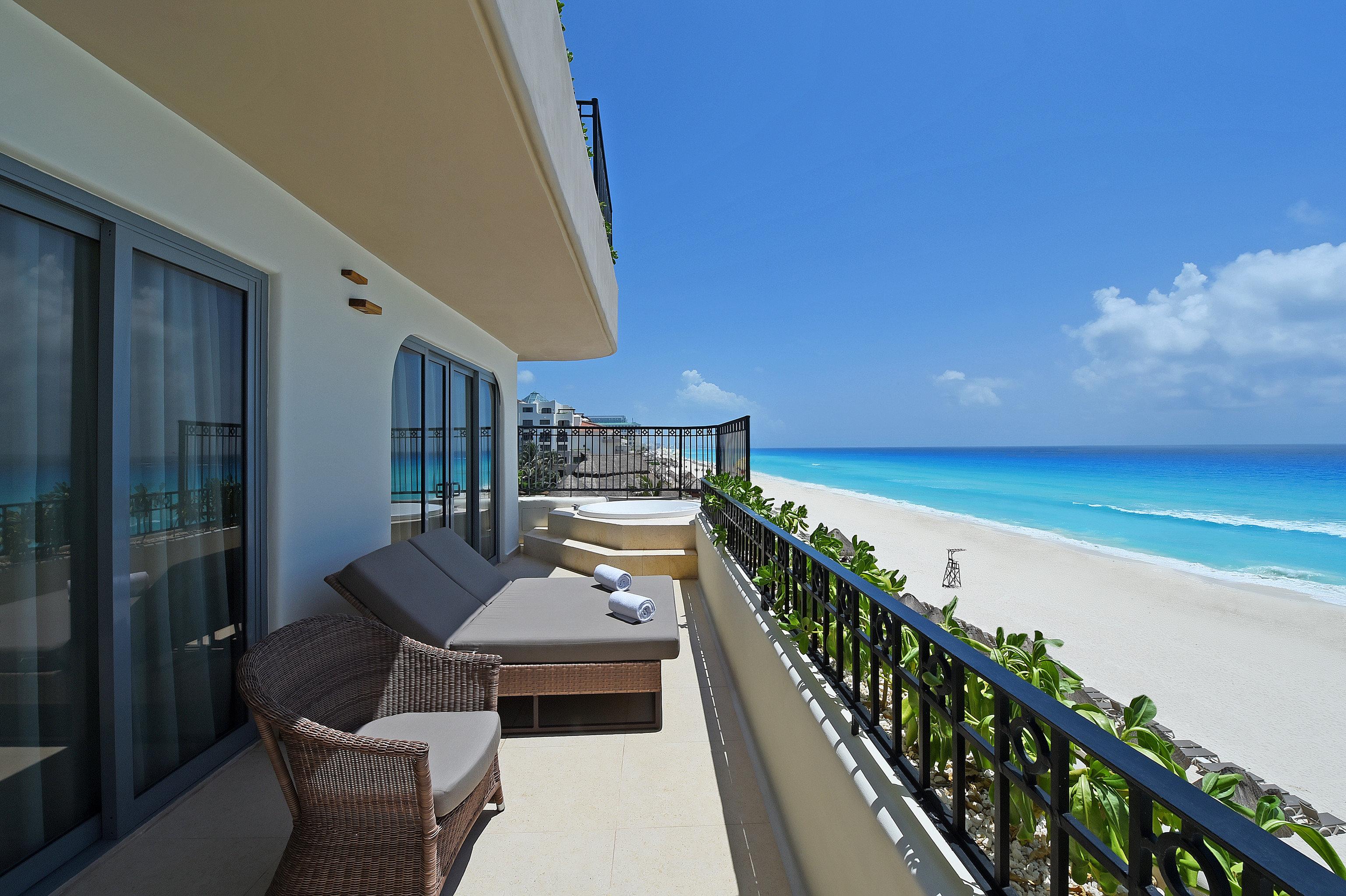 sky property Resort Sea condominium Balcony Villa Ocean penthouse apartment house Beach shore overlooking