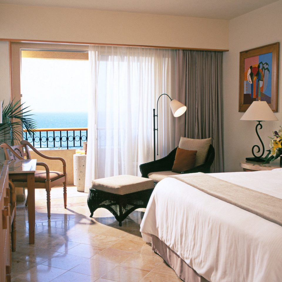 Balcony Beachfront Bedroom Classic Luxury property Suite cottage home living room Villa Resort