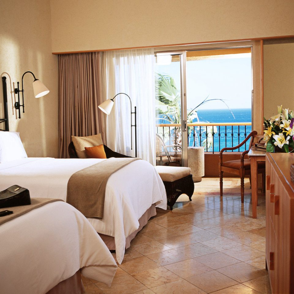 Balcony Beachfront Bedroom Classic Luxury property Suite home living room cottage Villa condominium Resort