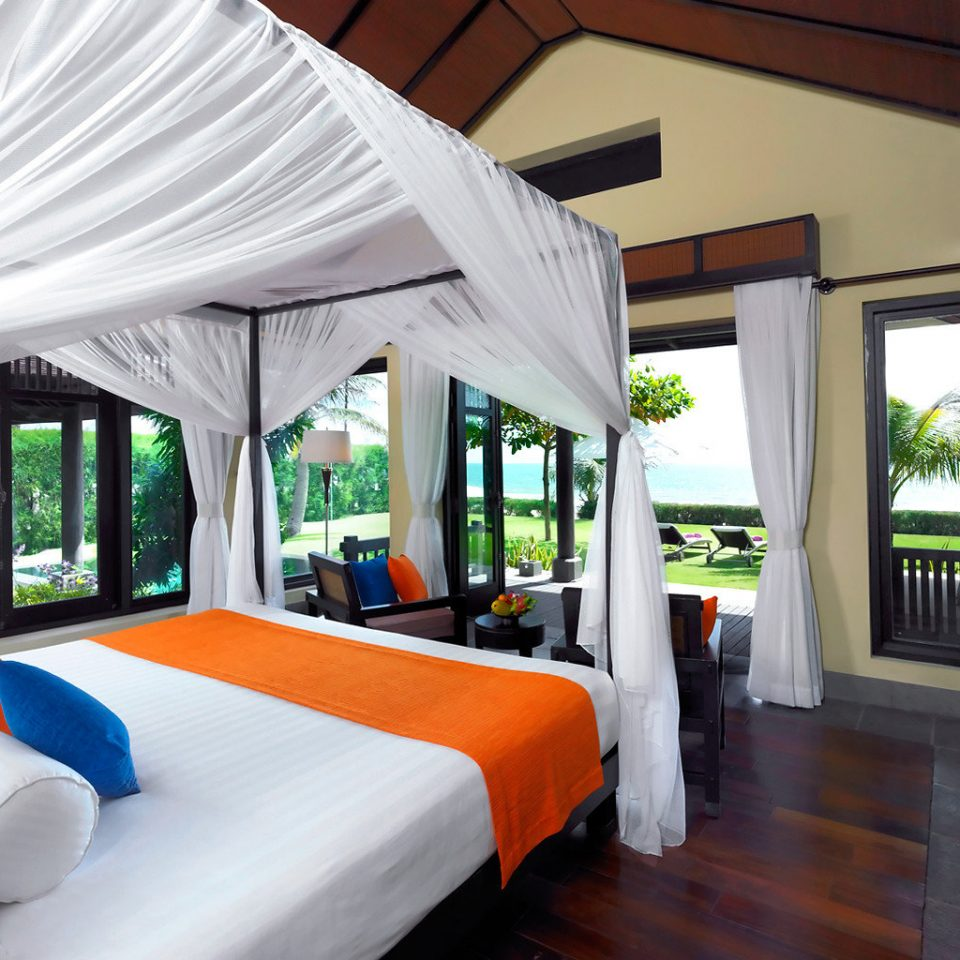 Balcony Beachfront Bedroom Jungle Patio Resort Scenic views Spa Tropical Villa property cottage