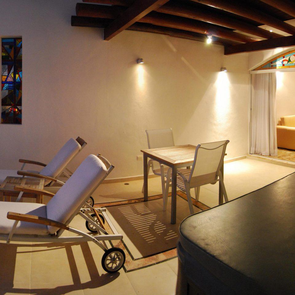 Balcony Beachfront Bedroom Lounge Luxury Scenic views Waterfront property house home restaurant Villa cottage