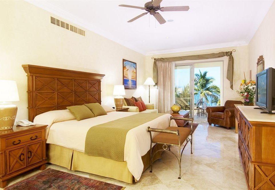 Balcony Beachfront Bedroom Scenic views Tropical property Suite cottage home hardwood Villa living room