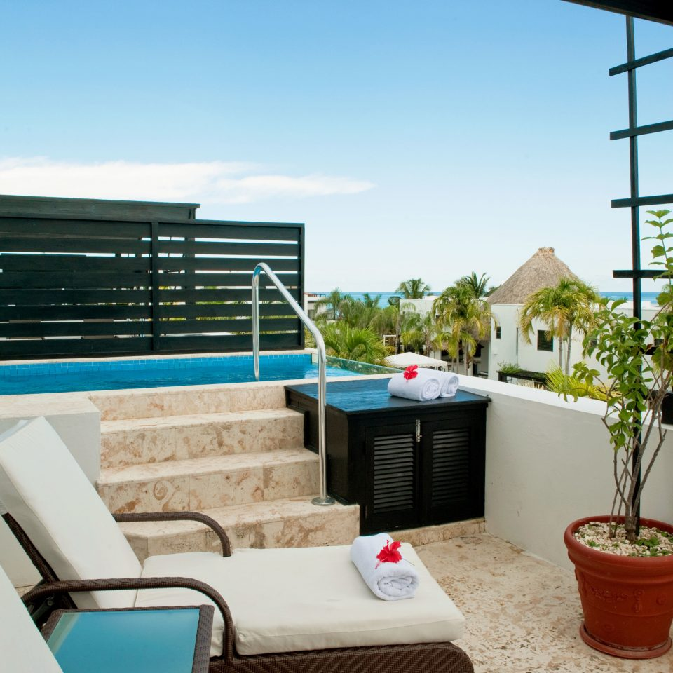 Balcony Beachfront Play Pool Resort sky property house home swimming pool living room vehicle Villa yacht Boat cottage