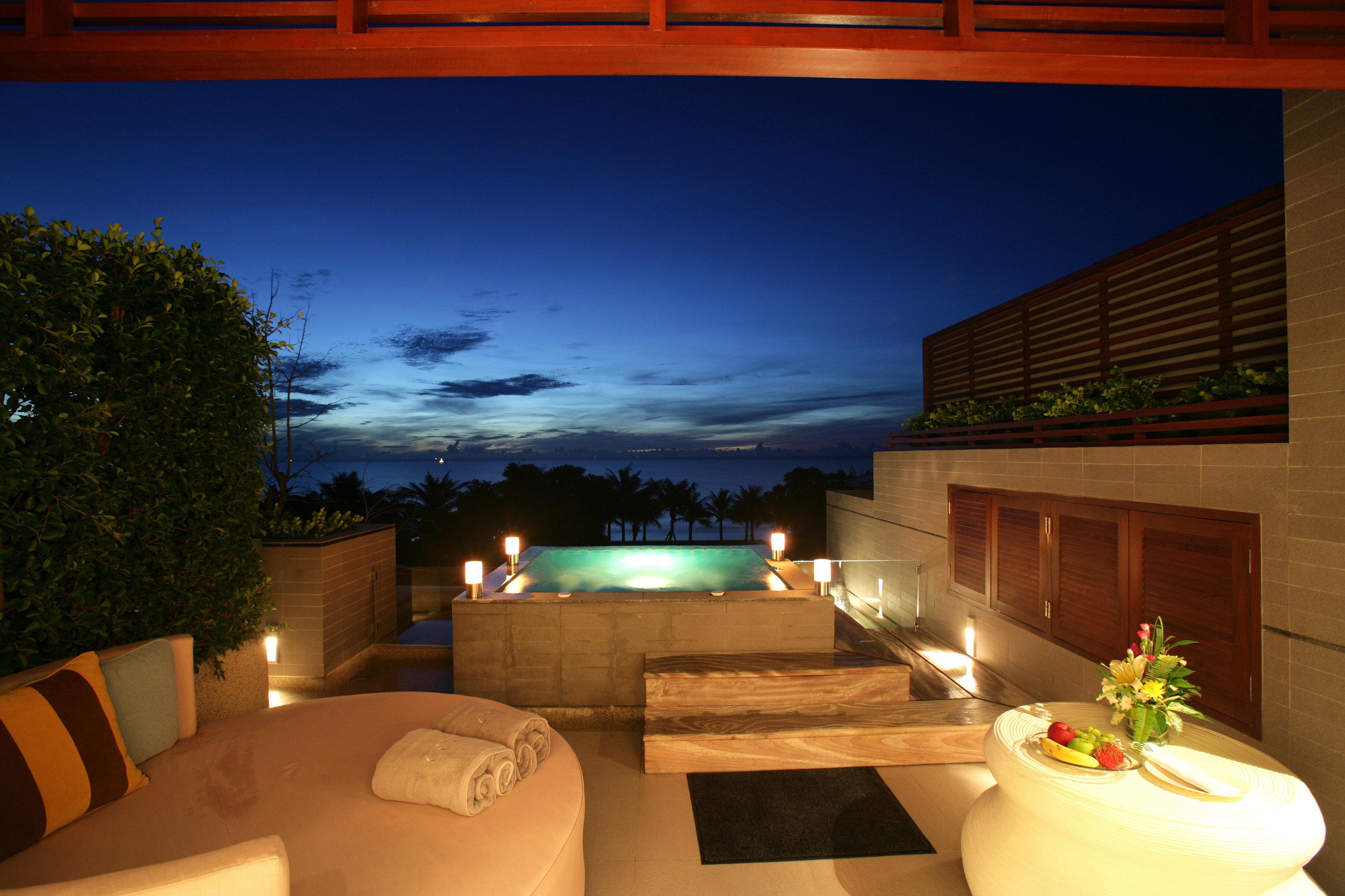 Balcony Beachfront Deck Elegant Honeymoon Hot tub/Jacuzzi Jungle Romance Romantic Tropical Waterfront house swimming pool home lighting