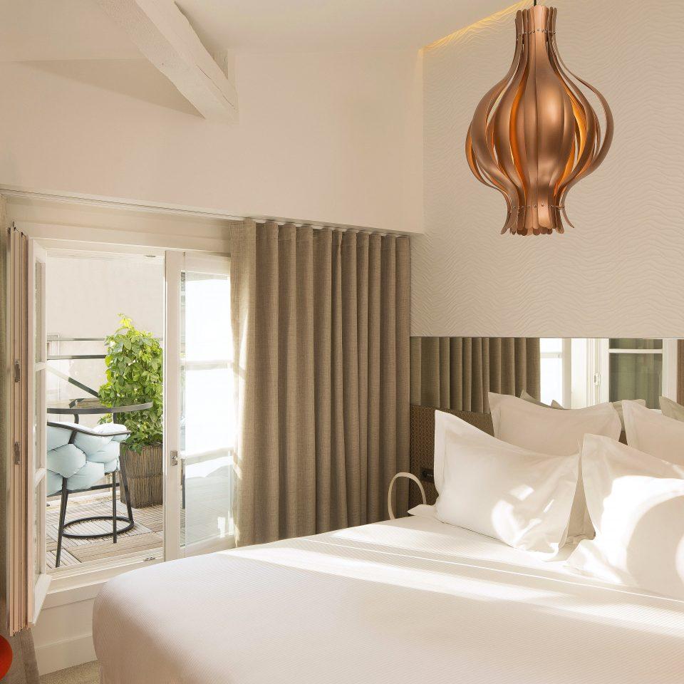Balcony Bedroom Boutique City Elegant Historic Hotels Romance Trip Ideas property curtain Suite home living room
