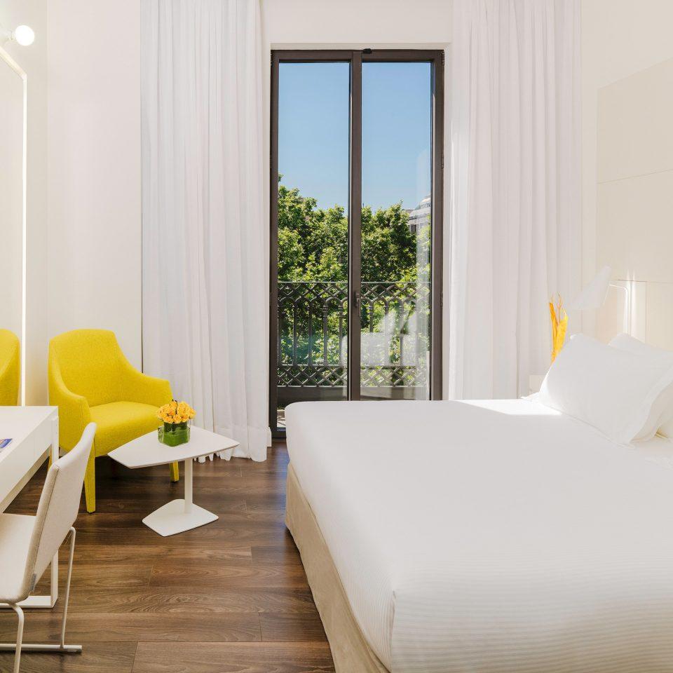 Balcony Bedroom Budget Hip Modern property Suite cottage