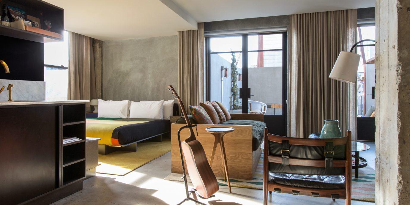 Balcony Bedroom City Elegant Hip Modern Suite living room property home hardwood condominium loft leather