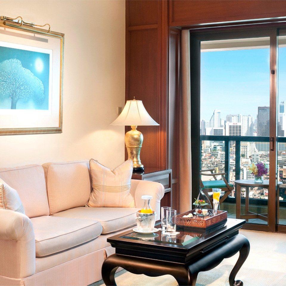Balcony City Scenic views Suite living room property home condominium cottage Bedroom Villa