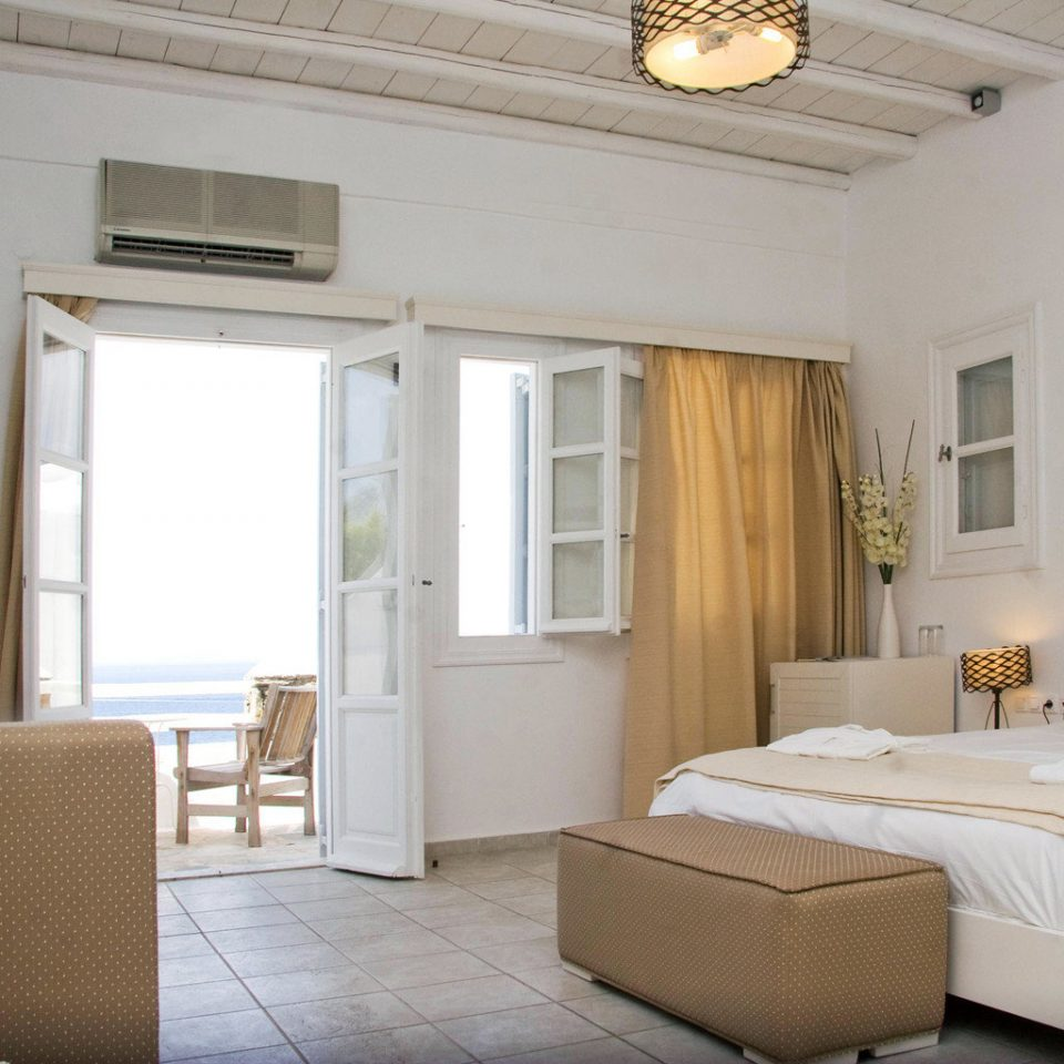 Balcony Bedroom Classic Cultural Romantic Scenic views Waterfront property living room home cottage Villa Suite farmhouse
