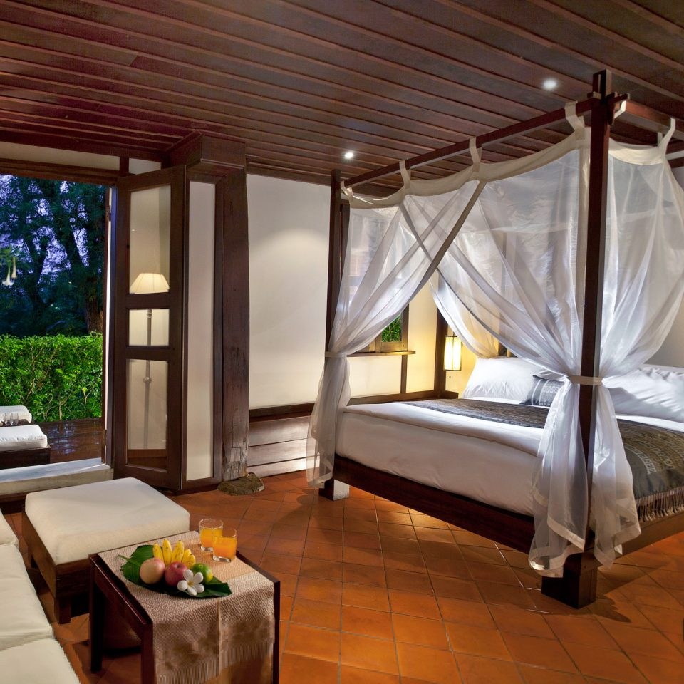 Balcony Bedroom Classic Elegant Historic Lounge Patio Terrace property Resort Suite cottage Villa home living room farmhouse mansion