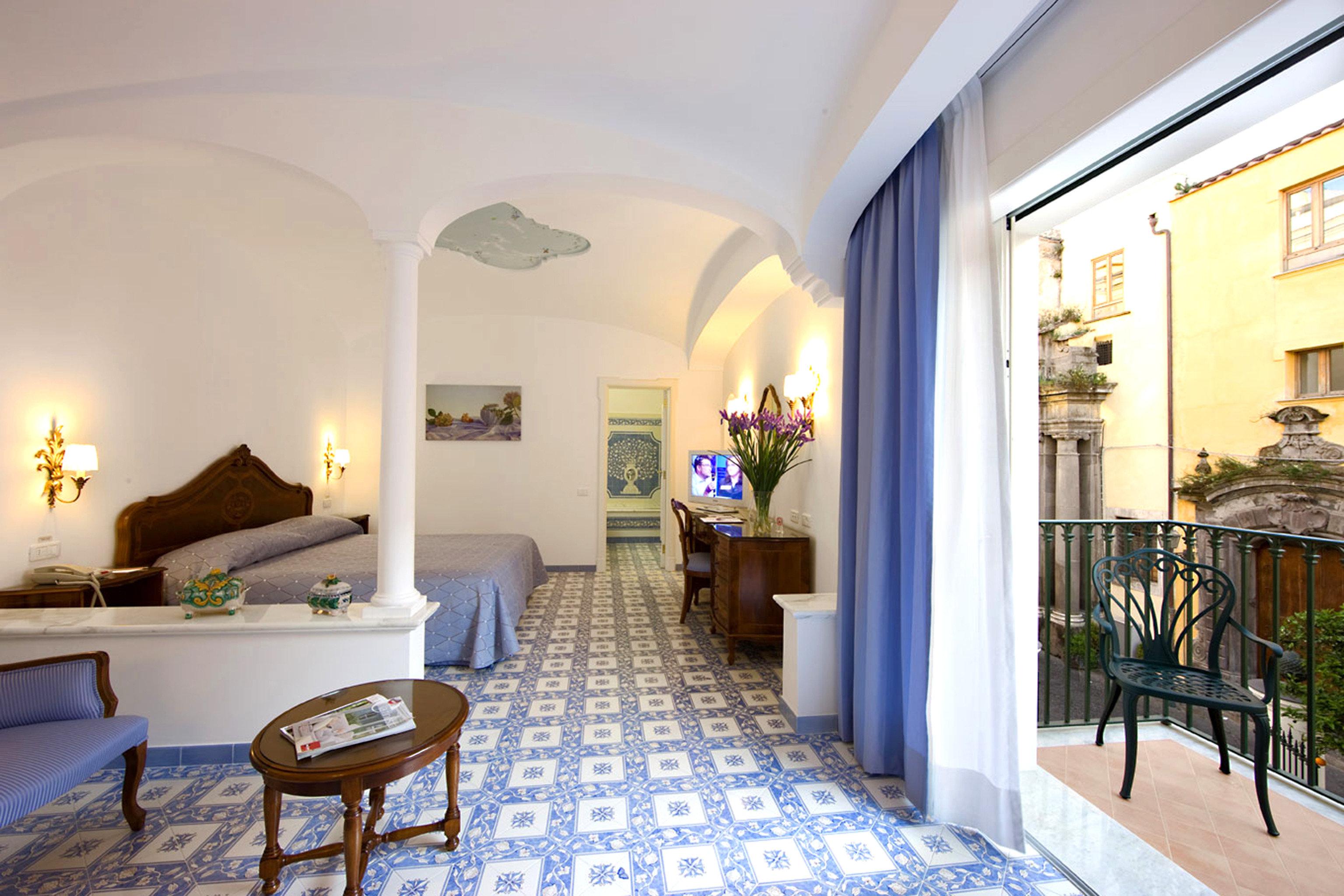 Balcony Bedroom Classic Scenic views Sea property Villa Resort home mansion Suite living room condominium cottage hacienda rug
