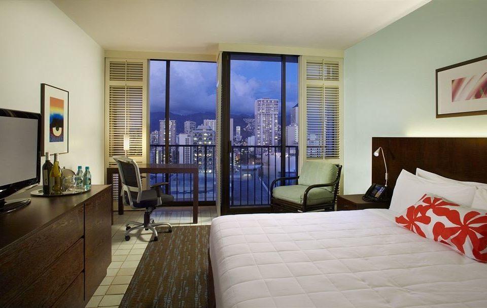 Balcony Bedroom Classic Resort property house condominium living room home Suite cottage flat