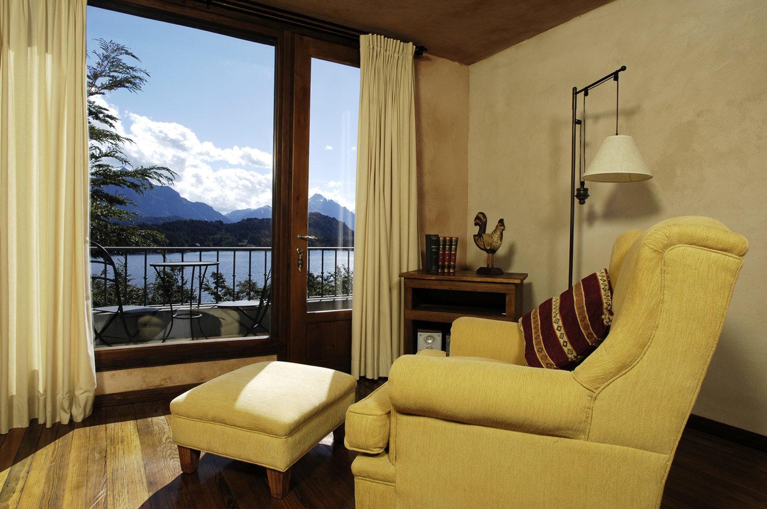 Balcony Bedroom Classic Scenic views sofa property living room house home Suite cottage Villa condominium