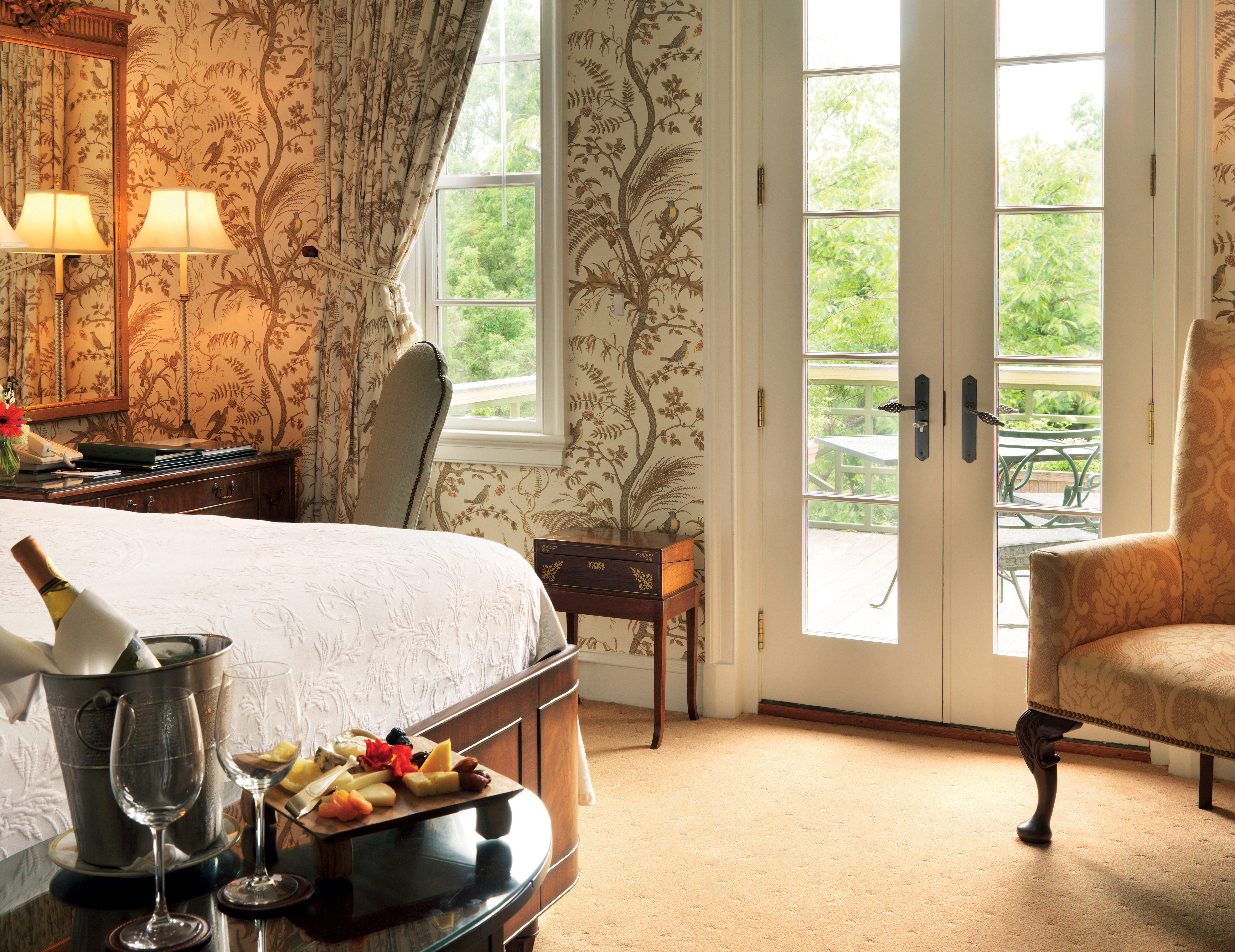 Balcony Bedroom Country Hotels Romantic Scenic views property living room home cottage curtain farmhouse Suite flooring textile window treatment