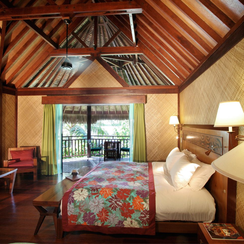 Balcony Bedroom Deck Hotels Overwater Bungalow Patio Resort Scenic views property building house cottage living room home wooden farmhouse Villa Suite