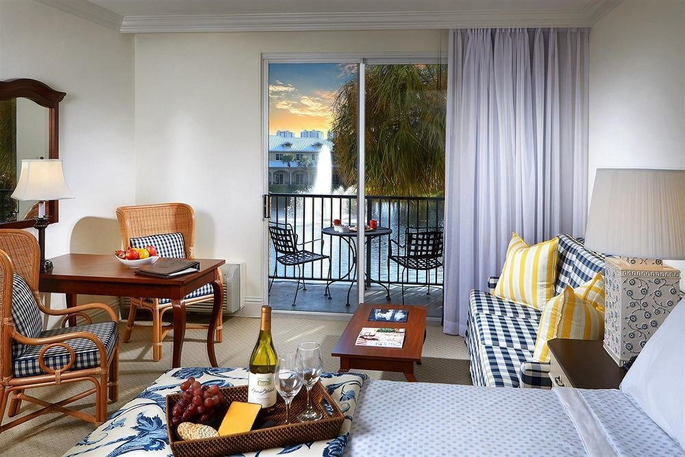 Balcony Bedroom property living room chair home cottage Dining condominium Suite Villa