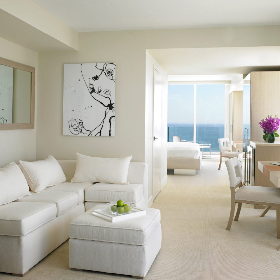 Balcony Bedroom Elegant Family Lounge Scenic views Suite Waterfront living room property white home condominium