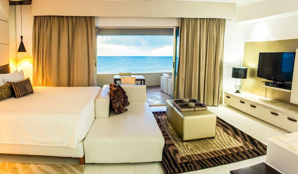 Balcony Bedroom Elegant Hip Luxury Modern Suite property condominium living room home Villa cottage