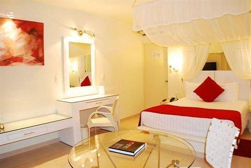 Balcony Bedroom Elegant Hip Luxury Modern Suite property cottage