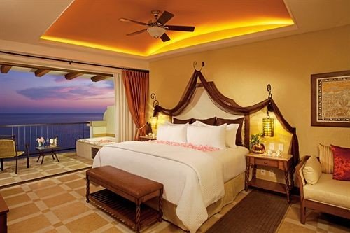 Balcony Elegant Lounge Luxury Romantic Scenic views property Bedroom Resort Suite Villa cottage