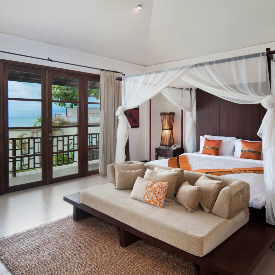 Balcony Bedroom Elegant Luxury Patio Scenic views property living room home condominium cottage Villa Suite