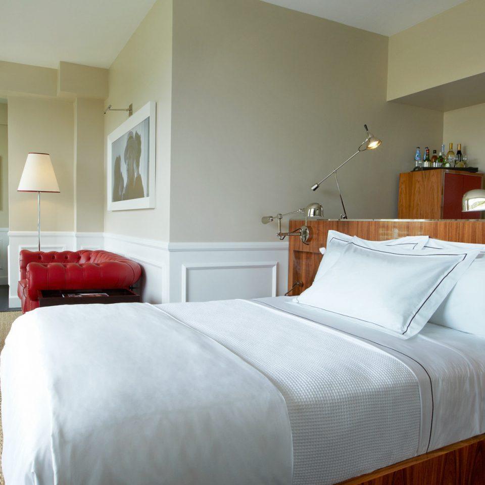 Balcony Bedroom Elegant Luxury Scenic views Suite sofa property hardwood cottage home pillow bed sheet