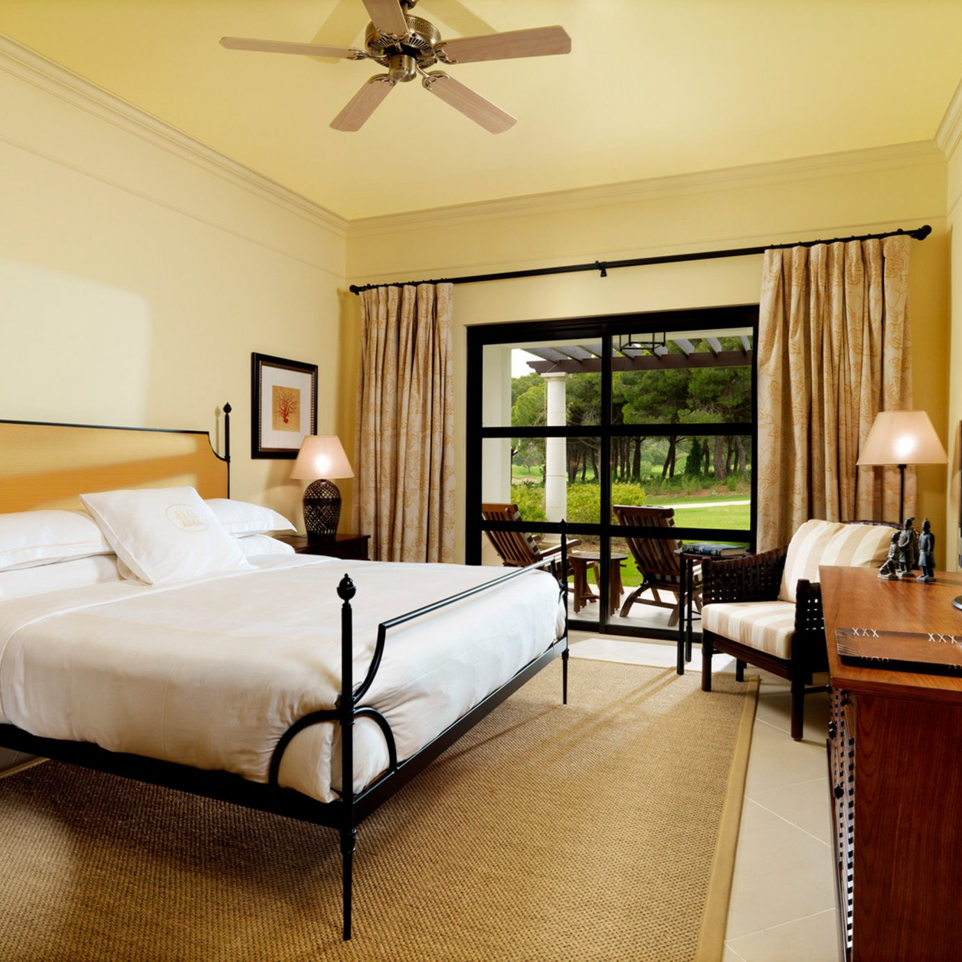 Balcony Bedroom Family Hotels Modern Patio Resort property living room Suite condominium home hardwood cottage Villa