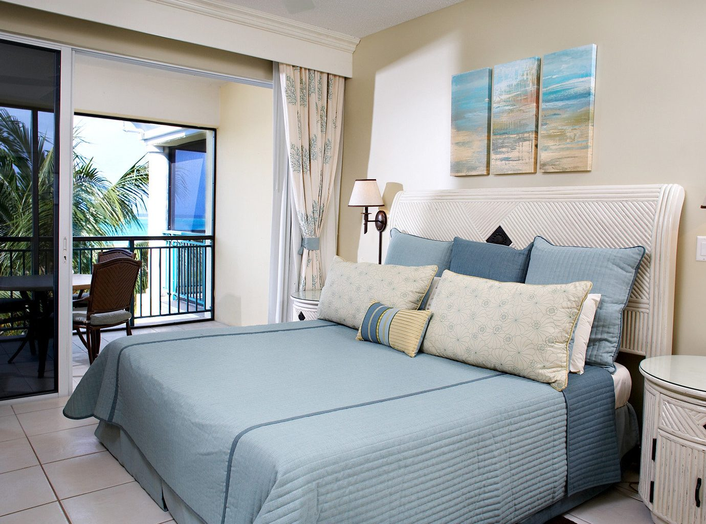 Balcony Bedroom Family Island Resort Scenic views Tropical property condominium living room Suite home cottage