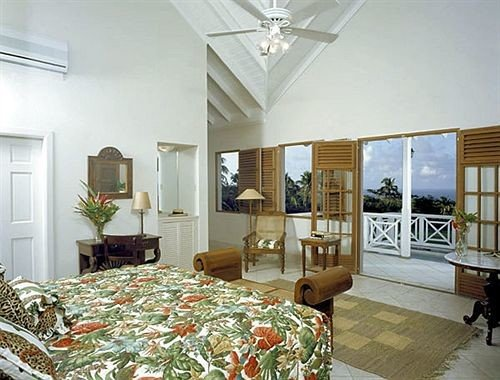 Balcony Bedroom Hip Luxury Suite Tropical property living room home condominium cottage mansion Villa farmhouse