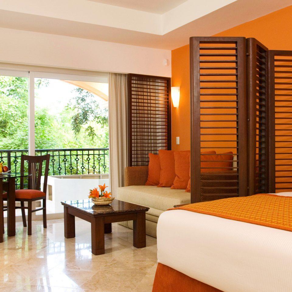 Balcony Bedroom Hip Luxury Modern Scenic views Suite property condominium Resort Villa living room