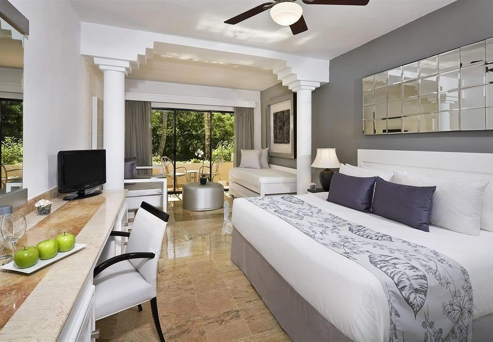 Balcony Hip Luxury Scenic views sofa property living room white home condominium Suite Villa cottage mansion Modern Bedroom