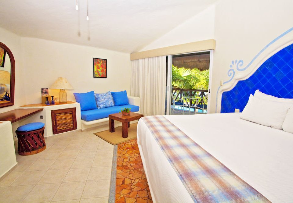 Balcony Bedroom Hip Luxury Modern Scenic views Suite property cottage Resort Villa