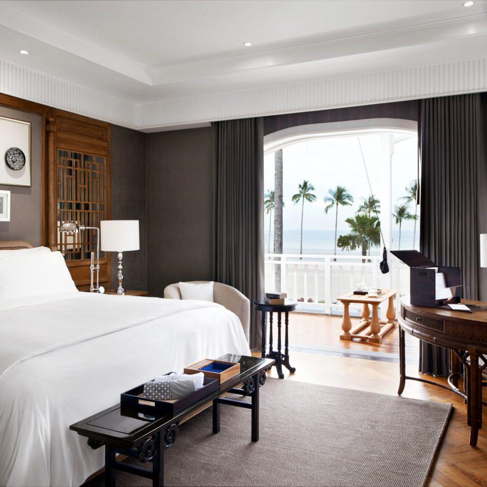 Balcony Bedroom Hip Modern Tropical sofa property Suite home living room condominium cottage Villa