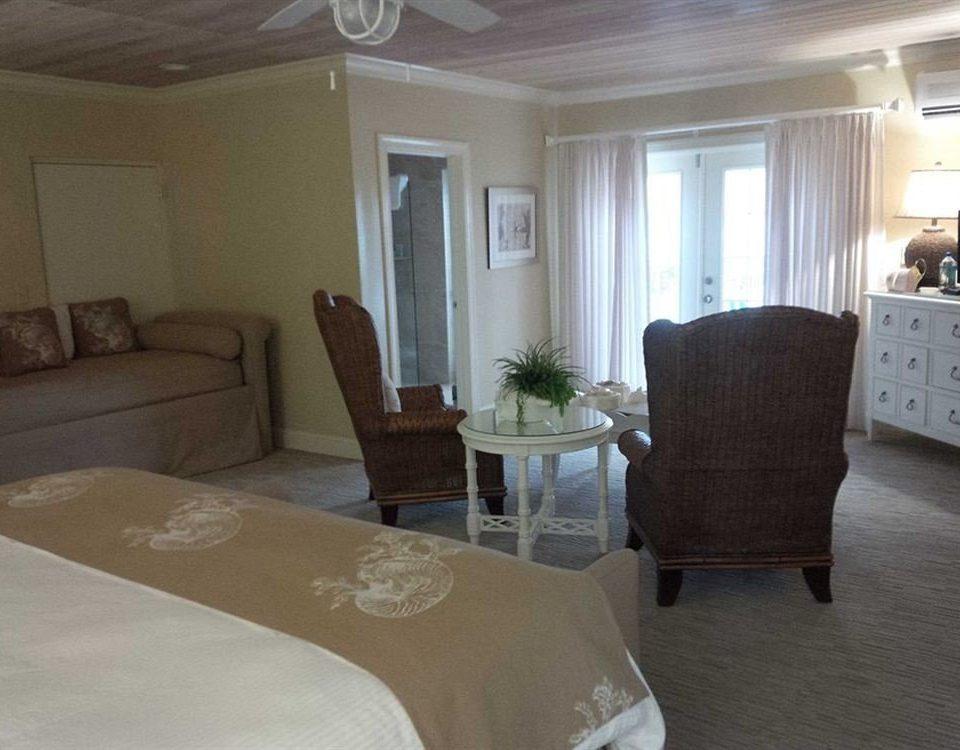 Balcony Bedroom Hip Suite property living room home hardwood cottage