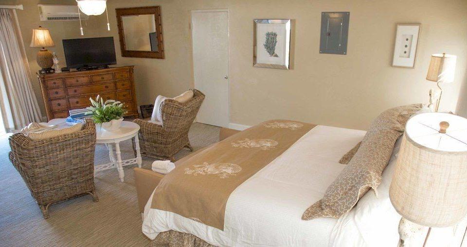 Balcony Bedroom Hip Suite property cottage home farmhouse Villa tan