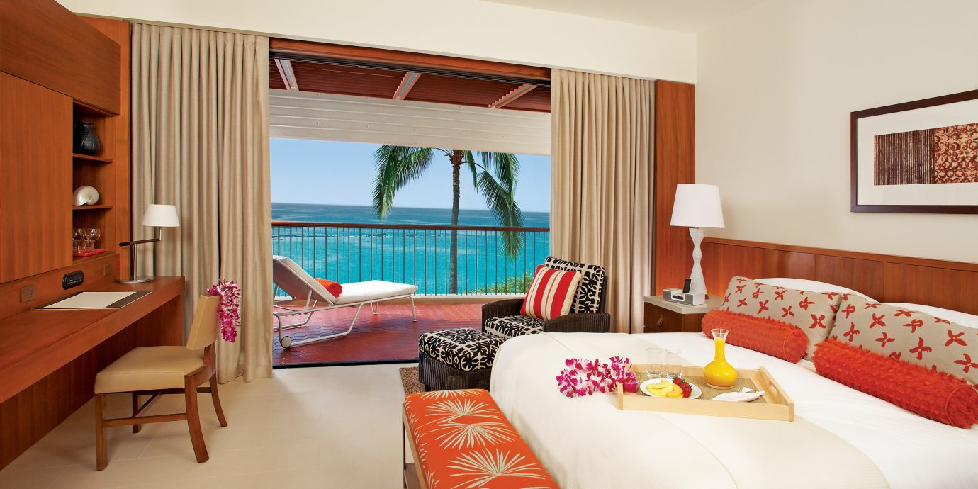 Balcony Bedroom Hotels Resort Scenic views sofa property Suite cottage home Villa living room nice flat