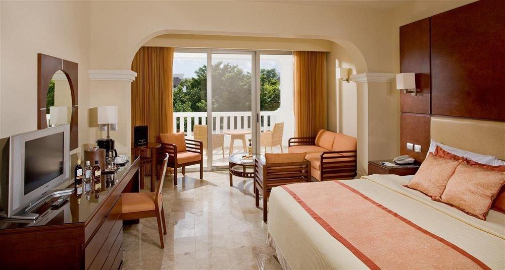 Balcony Bedroom Lounge Modern Scenic views Suite property cottage Villa living room Resort