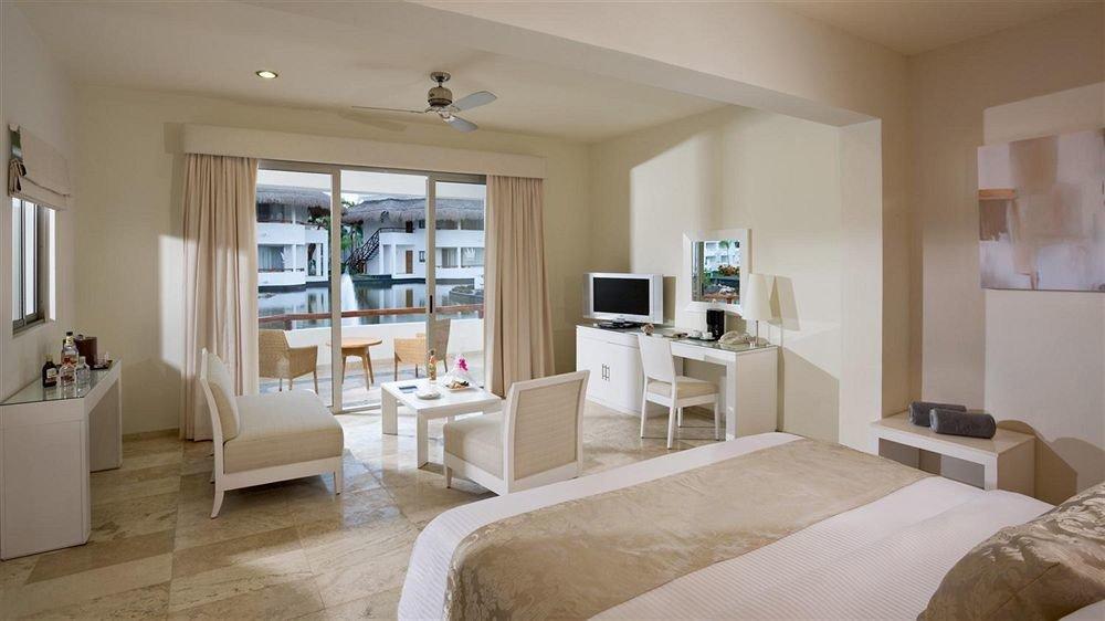 Balcony Bedroom Lounge Modern Scenic views Suite property living room home white hardwood cottage condominium Villa mansion farmhouse