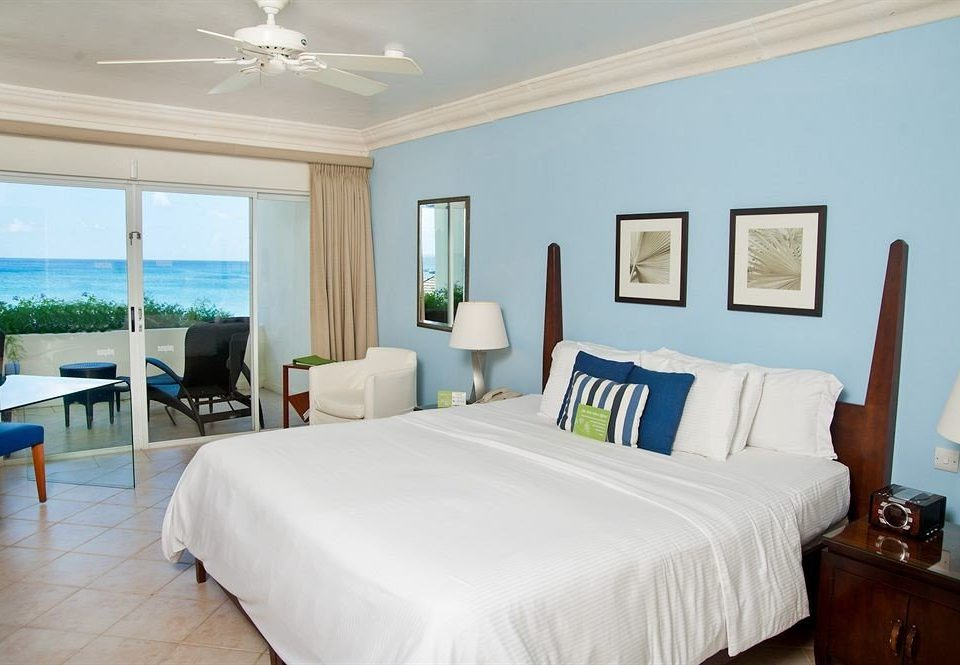 Balcony Bedroom Luxury Modern Scenic views Suite property scene Resort cottage Villa