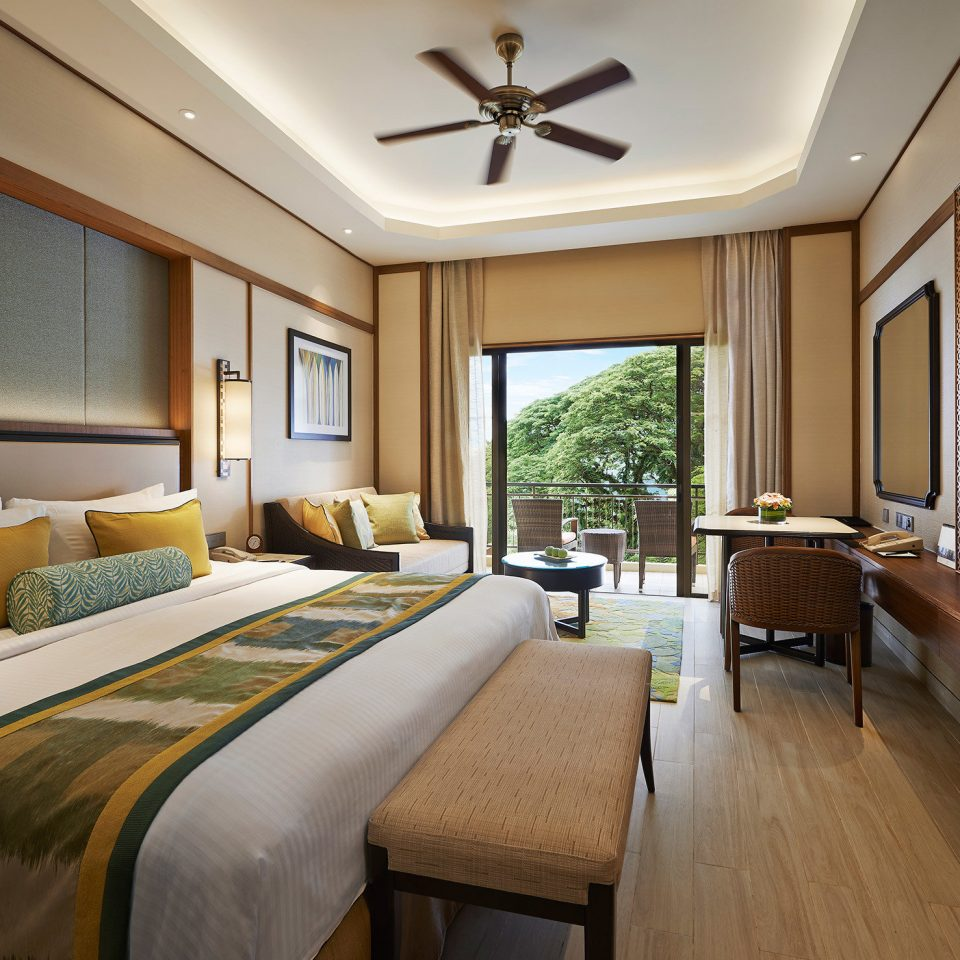 Balcony Bedroom Luxury Modern Scenic views Suite property home double cottage Resort living room condominium lamp